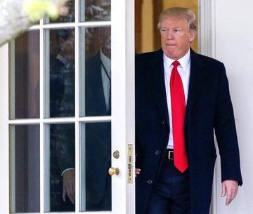 Trump acusa a oposición de vincularse con Rusia