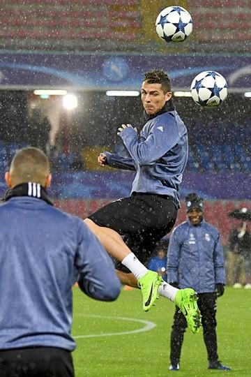 El Madrid afronta un difícil examen ante el Nápoles