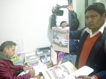 Escándalo por traslado de chicha en ambulancia
