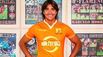 Martins debuta con gol en su nuevo equipo