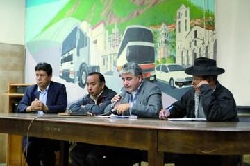 Paro cívico gana apoyo y el MAS decide hoy