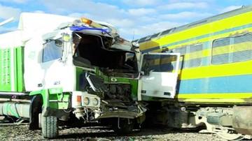 Camión colisiona con un tren en Challapata