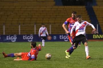 Universitario no puede con Nacional y suma su quinta derrota del Apertura