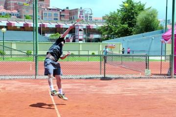 Tenis Senior entrega los primeros títulos del año