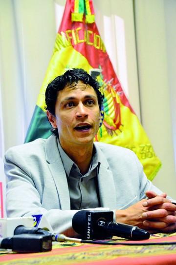 Ex ministro Machicao se va como delegado ante el BID