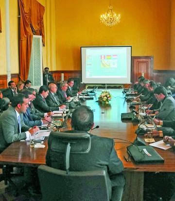 Bolivia, Paraguay y Perú ya evalúan tren bioceánico