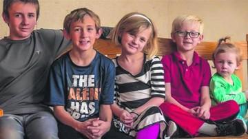 Cinco hermanitos piden ser adoptados juntos