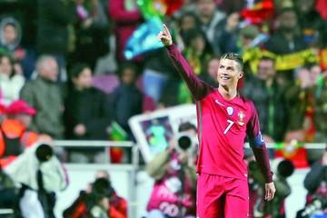 Cristiano conduce el triunfo de Portugal