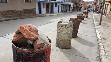 Vecinos aún no retiran turriles de las calles