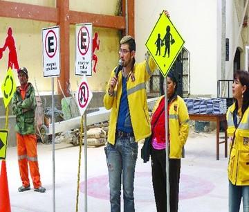 Promueven seguridad vial en unidades educativas