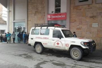 Una volqueta se embarranca en Cachimayu y deja tres personas heridas