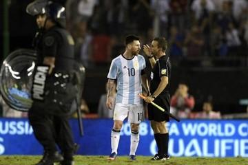La FIFA abre expediente a Messi por insultos contra asistente