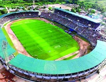 Yacuiba estrena su estadio
