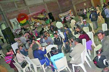 El partido de Condori cumple un año, pero sigue sin personería