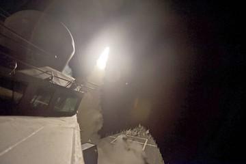 EE.UU. lanza un ataque contra base aérea siria