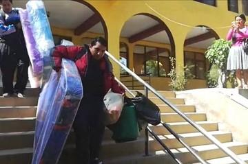 Maestros huelguistas trasladan su medida de presión a oficinas de la COD