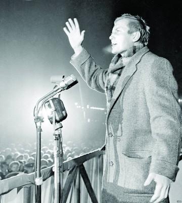 Yevtushenko: El poeta en Latinoamérica