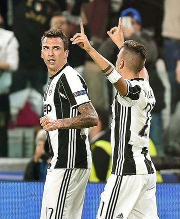 Juventus arrolla al Barcelona y mantiene su invicto