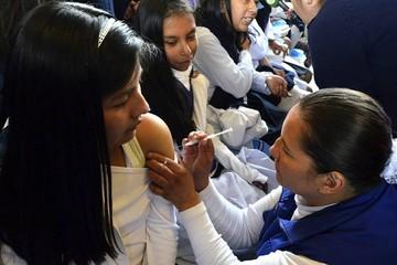 SEDES aplicará 21.000 dosis de la vacuna contra el VPH para niñas de Chuquisaca
