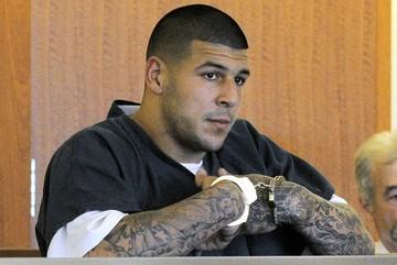 Muere ahorcado en su celda el ex futbolista estadounidense Aaron Hernández