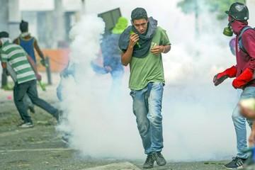 Caracas vive otra jornada de protestas y represión