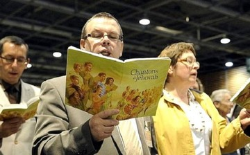 UE defiende libertad de reunión de Testigos de Jehová tras prohibición en Rusia