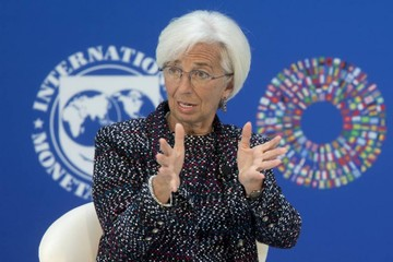 Economía, con riesgo a la baja