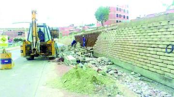 Concretec minimiza fallas en avenida Juana Azurduy