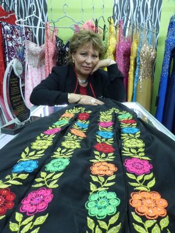 Moda étnica y alta costura boliviana en las tijeras de Sonia Avilés