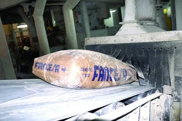 Fabriles piden licitar el transporte de cemento