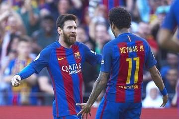 El Barcelona vence al Villarreal y mantiene la pugna por la Liga