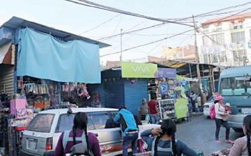 Piden priorizar reubicación de vendedores en casetas