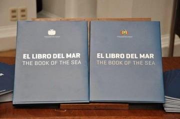 """Chile: Ministerio abre sumario por entrega del """"Libro del Mar"""" en liceo de Serena"""