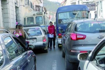 Colegios, principal motivo de congestión en el centro
