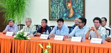 FARC y ELN se unen para lograr una paz completa