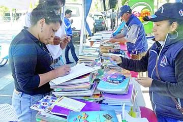 Campaña Bolivia lee recolecta libros hoy
