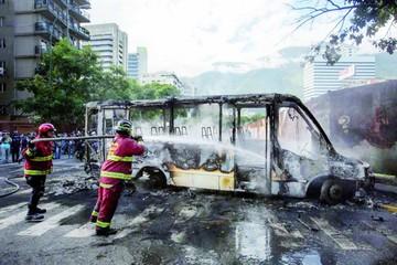 Opositores venezolanos convocan a gran plantón