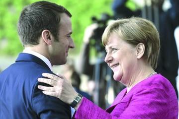 Merkel y Macron quieren refundar Unión Europea