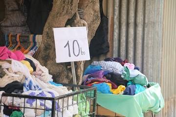 Proyecto de ley de ropa usada sigue en tratamiento