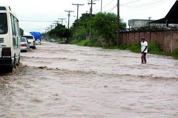 Lluvias en Santa Cruz causan inundaciones y crecida de varios ríos
