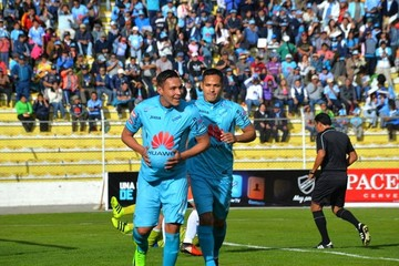 Bolívar golea a Sport Boys y continúa su marcha rumbo al título