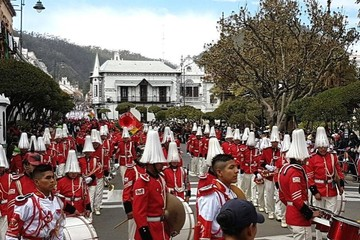 Sucre se viste de rojo y blanco y le rinde homenaje al Primer Grito Libertario