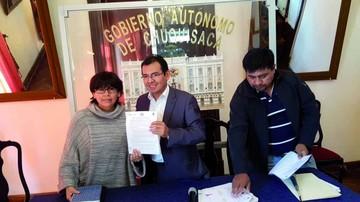 Firman acuerdo de Bs 11 millones para forestar municipios