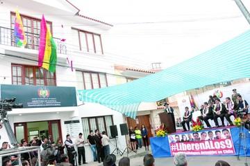 Gobierno abre oficinas con siete servicios al ciudadano