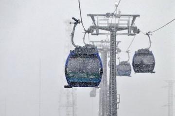 Nevada caída en La Paz afectó vuelos y viajes por carretera
