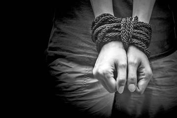 Sentencian a una mujer por trata de personas