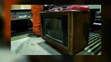 Encuentran 100 mil dólares en un viejo televisor
