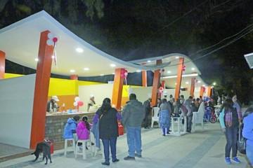 Abren patio de comidas del parque Simón Bolívar