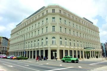 El lujo vuelve a La Habana con grandes almacenes