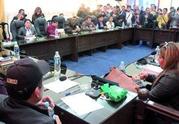 Futpoch advierte a Pérez y reclama curul de Siñani